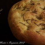 Taste of Italia: Focaccia cu rozmarin – varianta cu drojdie [*vegan]