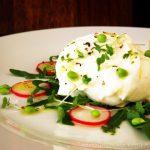 Summer on a plate: salata de vara cu mozzrella di bufala si menta [*lacto-vegetarian]