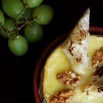 Taste of France: Camembert copt, cu nuci si struguri