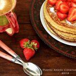 Retete pentru micul dejun: Pancakes cu capsuni [lacto-ovo vegetarian]