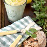 Hummus cu lamai murate si coriandru [vegan] ***plus o reteta bonus: chapati cu iaurt [lacto-vegetarian]