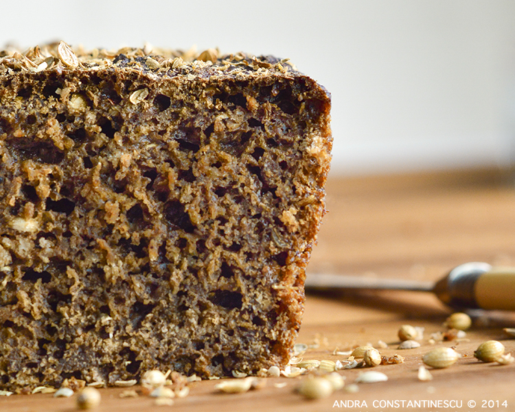 Borodinsky - paine neagra din faina de secara, cu melasa, malt si coriandru