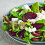 Salata de sfecla rosie cu branza de capra