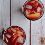 Retete de sarbatoare: punch cu merisoare si brandy